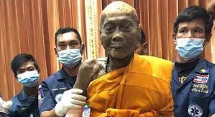 راهب بوذي يبتسم بعد وفاته بعامين