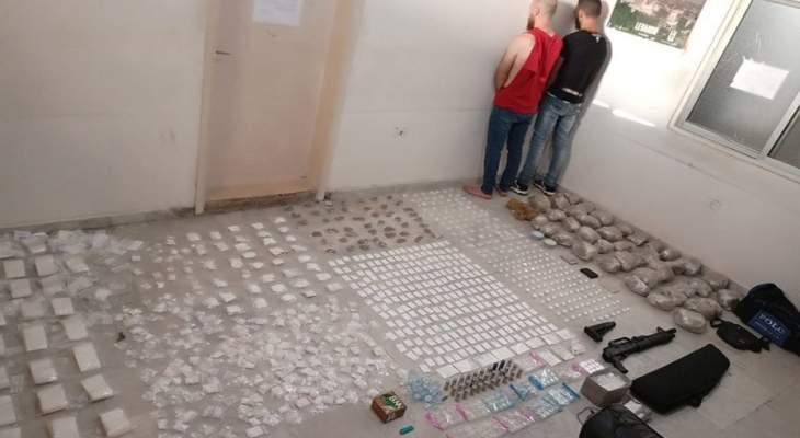 الجيش: ضبط كمية كبيرة من المخدرات بعملية دهم في منطقة الشياح - حي معوض