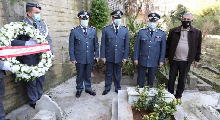 ضباط من قوى الأمن قدموا العزاء لذوي الشهيدين وسام عيد وأسامة مرعب بذكرى استشهادهم