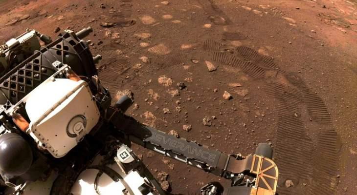 """مركبة الفضاء """"بيرسيفيرانس"""" تجمع أول عينة من صخور المريخ لتحليلها على الأرض"""
