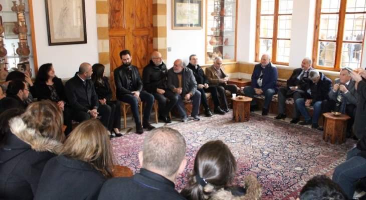 تيمور جنبلاط التقى وفودا أهلية وبلدية في المختارة