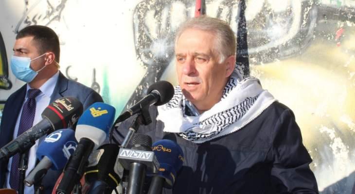دبور خلال مسيرة في مخيم البرج الشمالي بذكرى النكبة: نحن شعب واحد بالداخل والخارج
