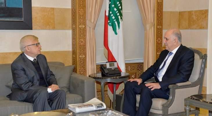 وزير الداخلية بحث مع زاسبيكين للتطورات في لبنان والمنطقة