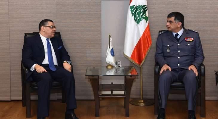 اللواء عثمان التقى السفير المصري وعرض معه الاوضاع العامة