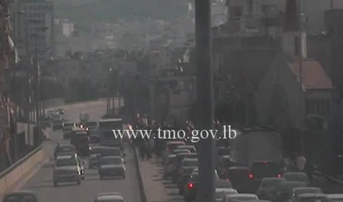 التحكم المروري: مسيرة راجلة على جسر الاشرفية باتجاه برج حمود