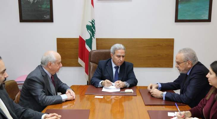 وزير السياحة عقد سلسلة اجتماعات والتقى القائم بأعمال السفارة العراقية