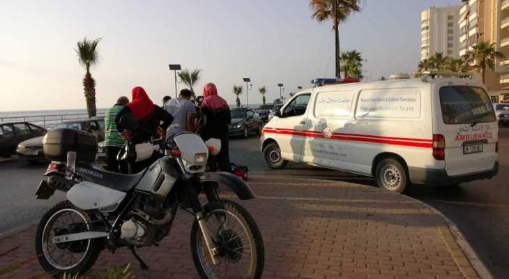 النشرة: حافلة عمومية مخصصة لنقل الركاب صدمت طفلة على كورنيش صيدا