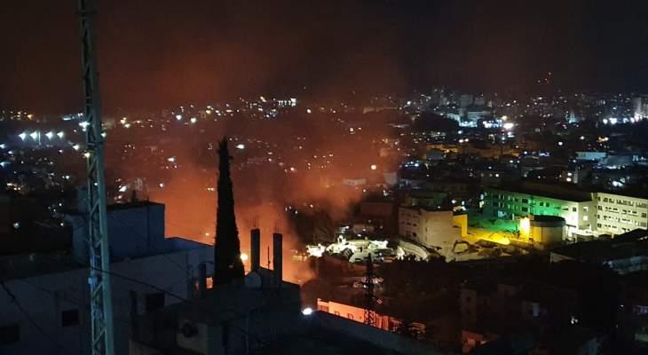 النشرة: فرق الإطفاء تعمل على إخماد حريق على طريق النبعة - سيروب