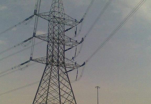 وفاة مواطن صعقا بالتيار الكهربائي في بلدة مزيارة