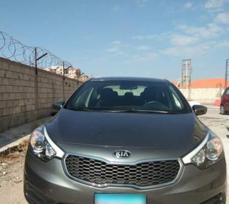 قوى الأمن: ضبط سيارة مسروقة بعد ملاحقة السائق على حاجز ضهر البيدر