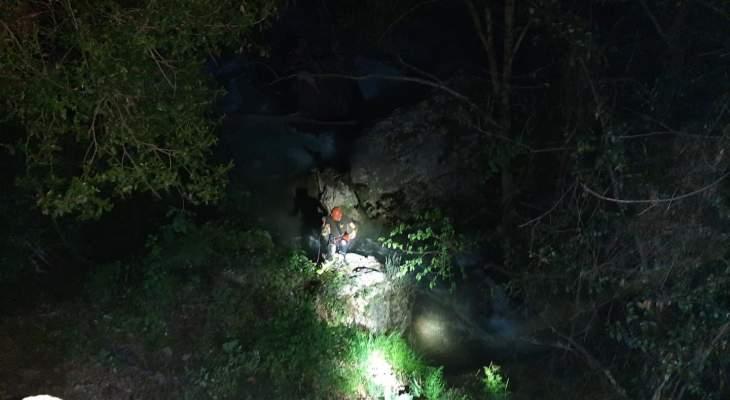 الدفاع المدني:انتشال جثة واسعاف 3 جرحى عراقيين سقطوا في وادي نهر ابراهيم