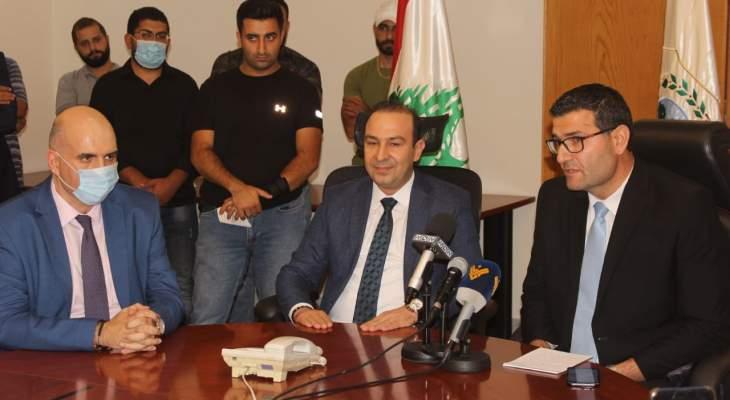 الحاج حسن تسلم وزارة الزراعة من مرتضى: اي خطة طوارئ زراعية تحتاج لجهود الجميع