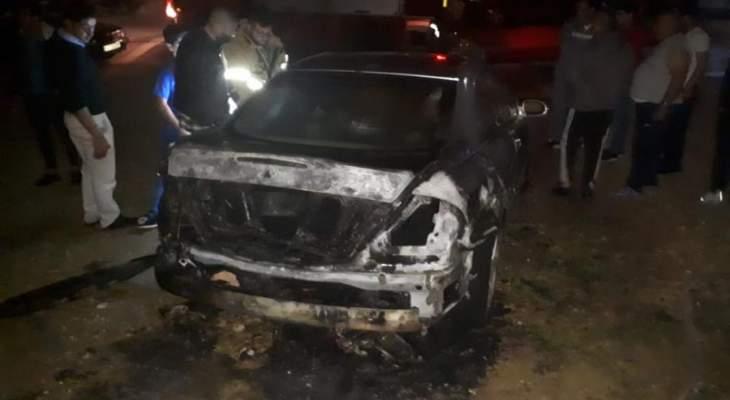 """الدفاع المدني: إخماد حريق داخل سيارة في عاليه وآخر داخل """"ڤان"""" في جل البحر"""