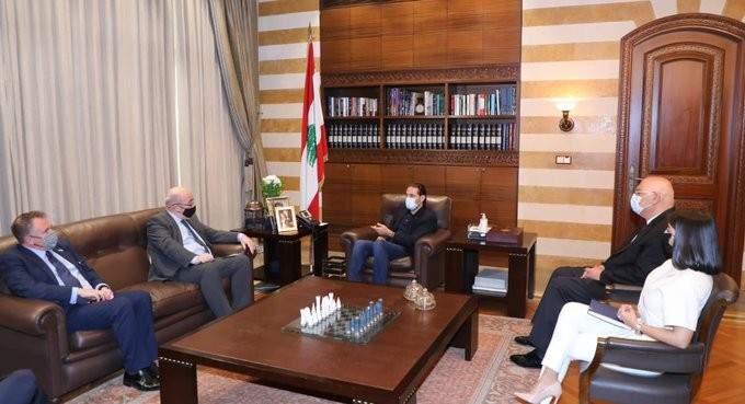 الحريري التقى السفير البريطاني وعرض معه آخر المستجدات
