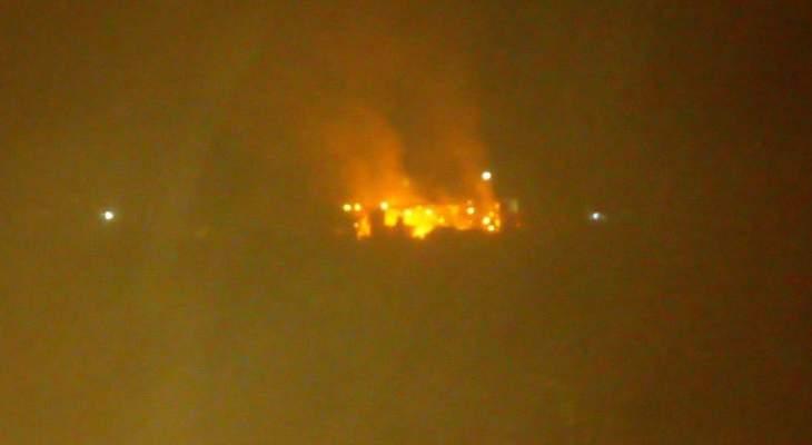الدفاع المدني: إخماد حريق شب في خيمة للنازحين السوريين في المنصورة بالبقاع