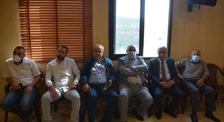 هاشم بلقاء لمزارعي التبغ بمرجعيون للمطالبة برفع الأسعار: نعد بمتابعة القضية