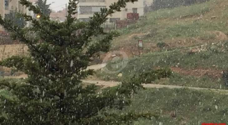 النشرة: تساقط الثلوج على علو 950 متر مع تدني دراجات الحرارة