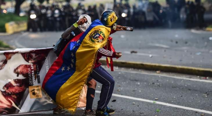 لماذا فشلت محاولة الانقلاب الأميركية في فنزويلا.. وما هي النتائج؟