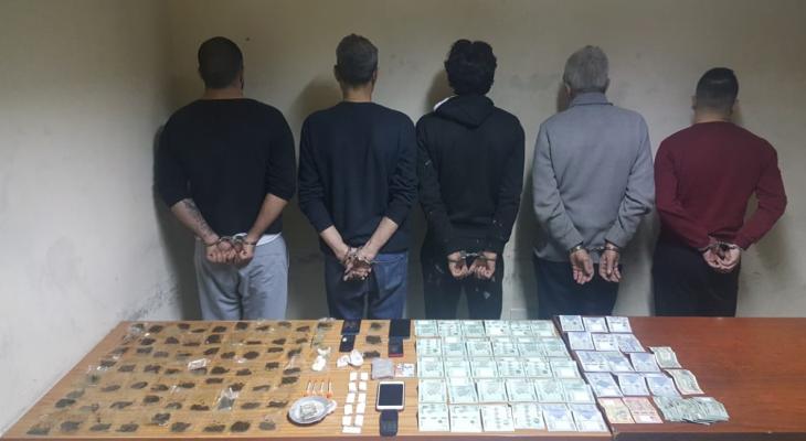 توقيف مروج مخدرات بالجرم المشهود في السبتية و3 من زبائنه