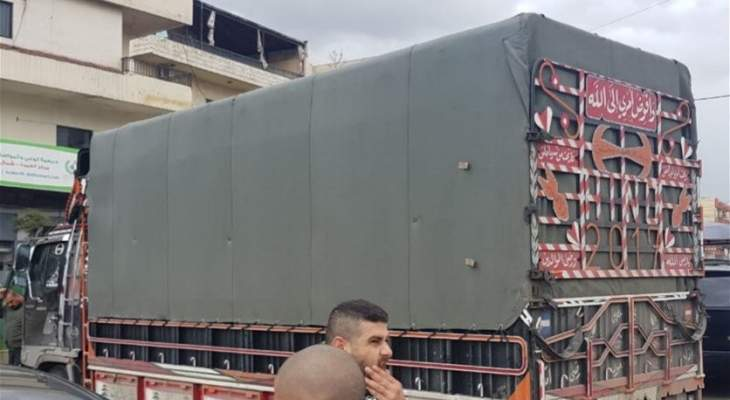 توقيف شاحنة محملة بالبندورة المهربة في ببنين العبدة