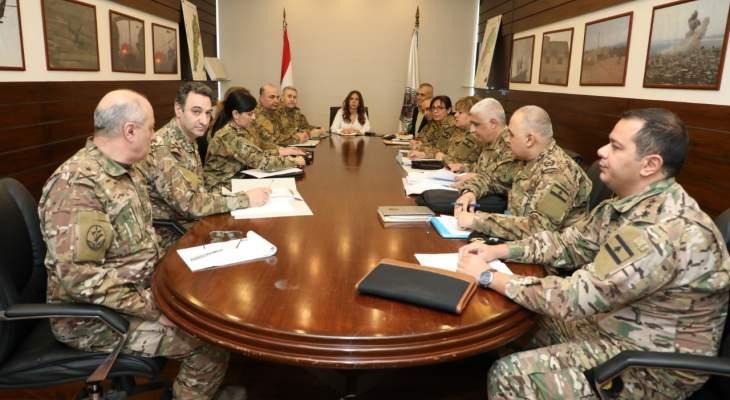 عكر تستقبل هيئة المحكمة العسكريَّة الدائمة وأعضاء لجنة الموازنة بالجيش