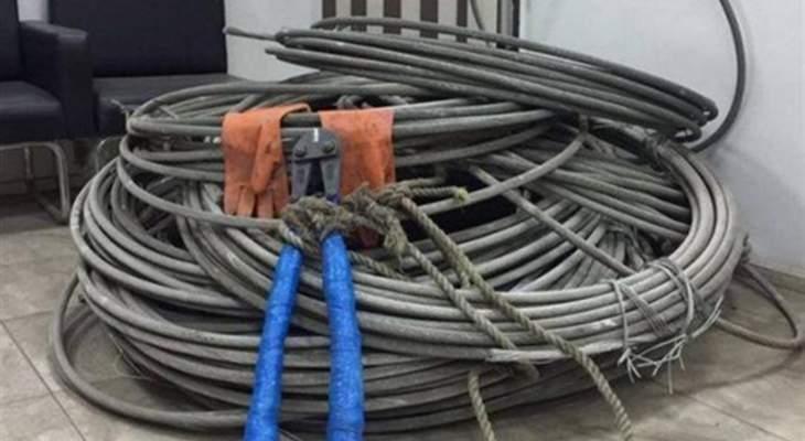 مجهولون سرقوا كابلات كهربائية لمحلات في مجمع تجاري في جبيل