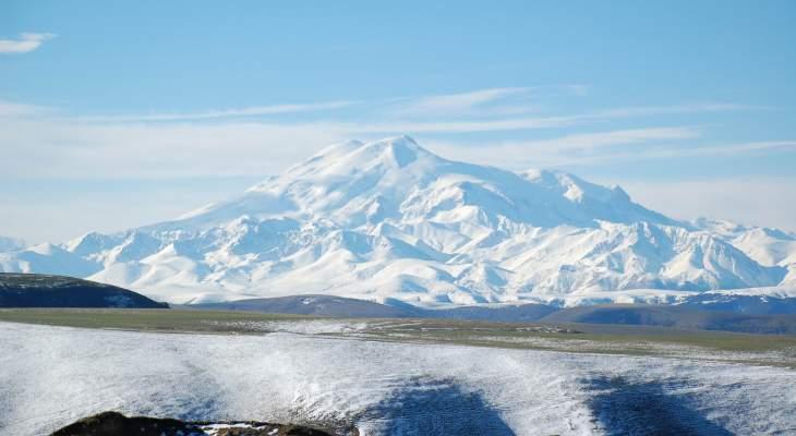 مقتل 3 أشخاص وانقاذ 14 آخرين من متسلقي الجبال في شمال القوقاز