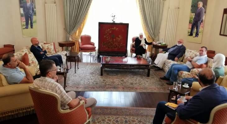 الحريري تابعت مع السعودي ووفد سبل التخفيف من وطأة الأزمة على المواطن