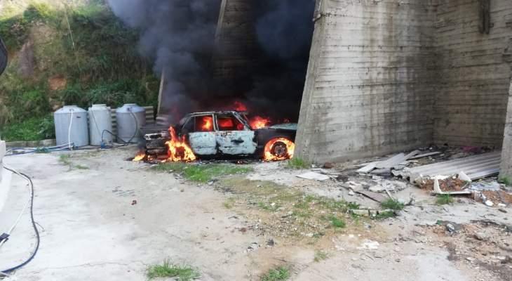 إخماد حريق سيارة في منطقة الشرحبيل في بقسطا