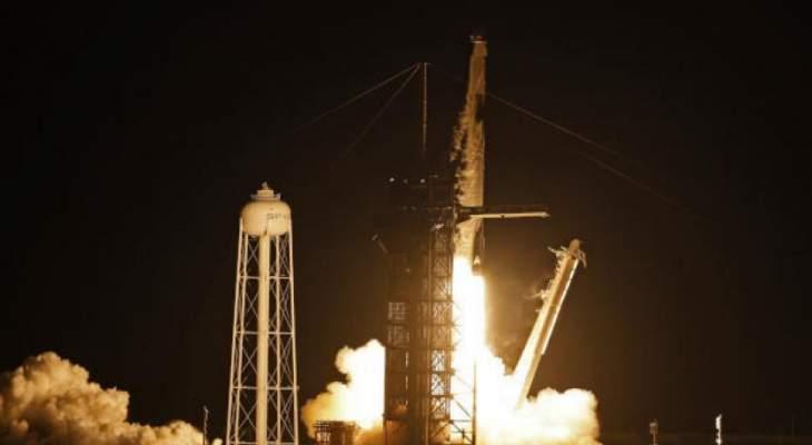 انطلاق أول رحلة في تاريخ البشرية تقلّ سياحاً إلى الفضاء