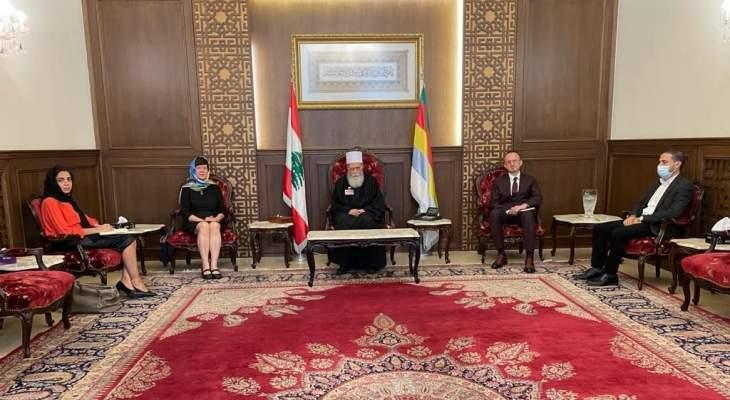 شيخ عقل الدروز التقى منسقة الأمم المتحدة بلبنان: للإسراع بتشكيل حكومة توقف الانهيارات المتلاحقة