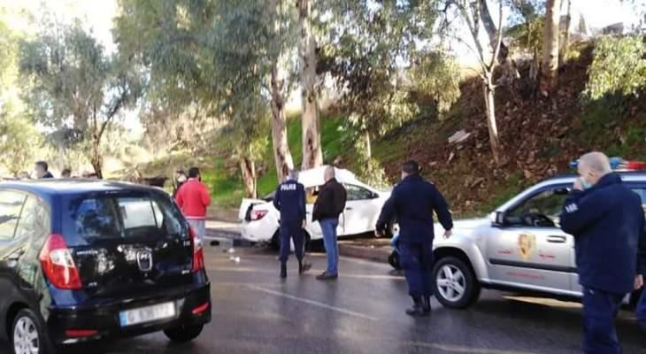 5 قتلى وجريح نتيجة اصطدام مركبة بشجرة على طريق عام الحدت قرب المجلس الدستوري
