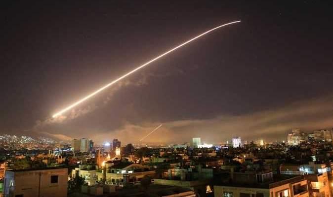 مصدر عسكري سوري للنشرة: منظوماتنا الدفاعية نجحت باعتراض صواريخ أميركا