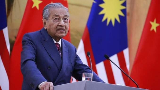 رئيس وزراء ماليزيا: العقوبات الأميركية على إيران تنتهك القانون الدولي