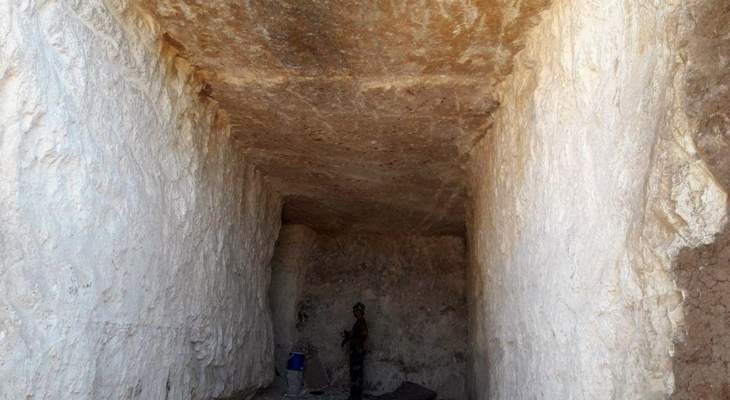 سانا: الجيش السوري ضبط نفقا للمسلحين خلال تمشيط بلدة قلعة المضيق بريف حماة