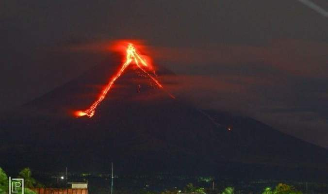 تدمير 30 منزلاً جراء سيول الحمم التي تدفقت من بركان بجزيرة هاواي