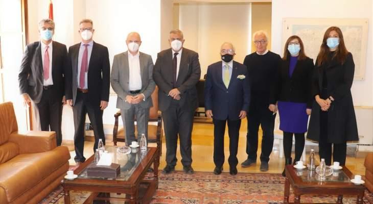 محافظ بيروت ناقش وسفير ألمانيا إعادة إعمار المرفأ: مشروع قد يؤمن 50000 وظيفة