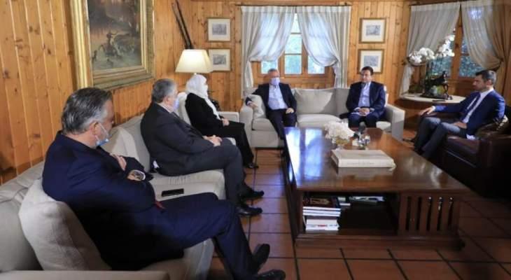 مصادر الشرق الاوسط: نتائج مشاورات الحريري ستحدد الاتجاه العام للمبادرة الفرنسية