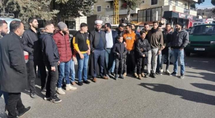 اعتصام لمزارعين ومربي خيول في شتورة اعتراضا على عدم تسليمهم العلف المدعوم