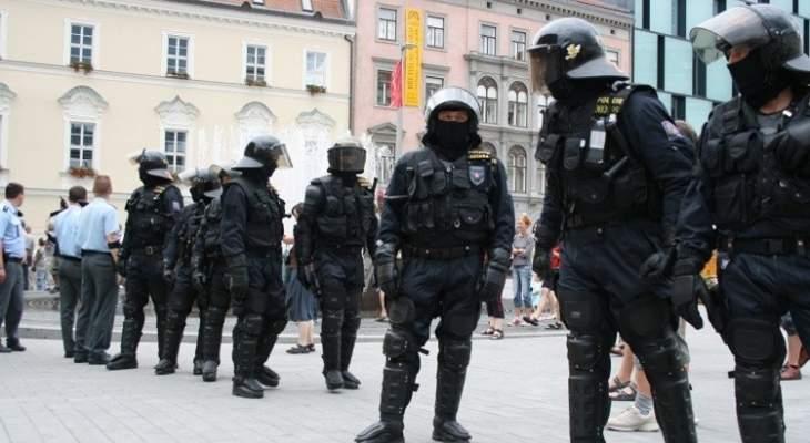 شرطة التشيك اعتقلت 16شخصا يحملون سلاحا خلال تظاهرات ضد قيود كورونا