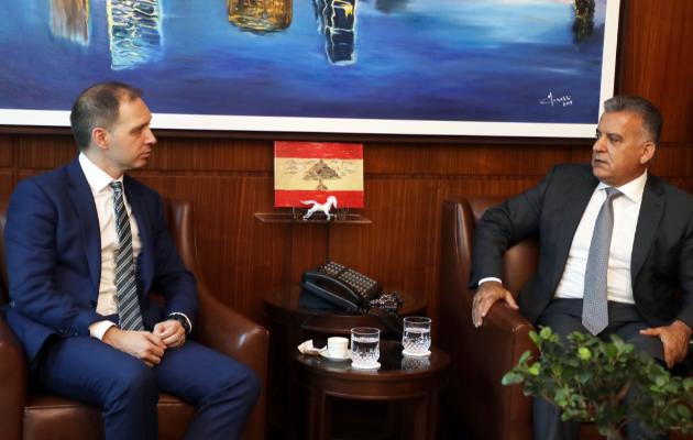 اللواء إبراهيم التقى السفير البريطاني في لبنان وعرض معه الأوضاع في لبنان والمنطقة