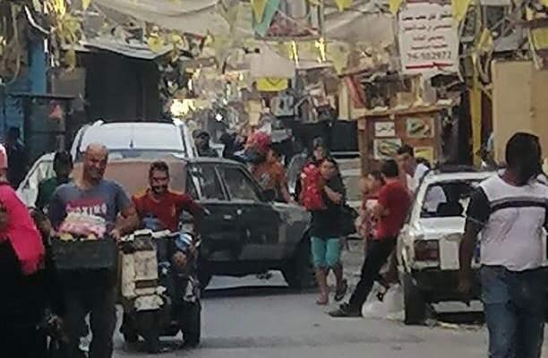 النشرة: قطع الطريق في مخيم عين الحلوة