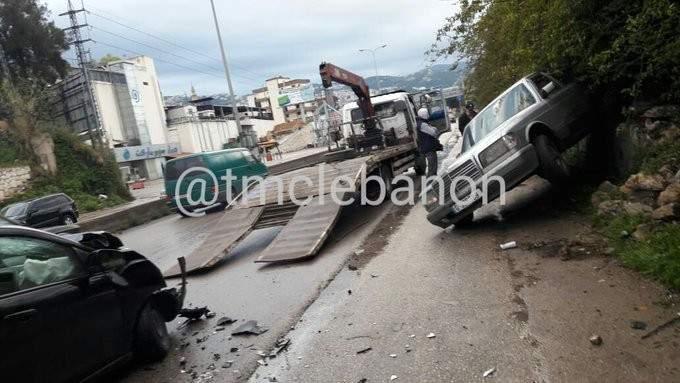 جريح نتيجة تصادم بين مركبتين على أوتوستراد جبيل المسلك الغربي