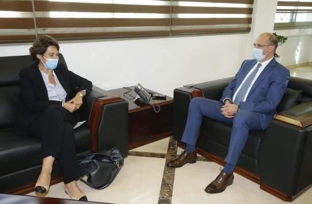 حسن بحث مع السفيرة الفرنسية سبل تفعيل التعاون الثنائي بالمجالات الصحية المشتركة