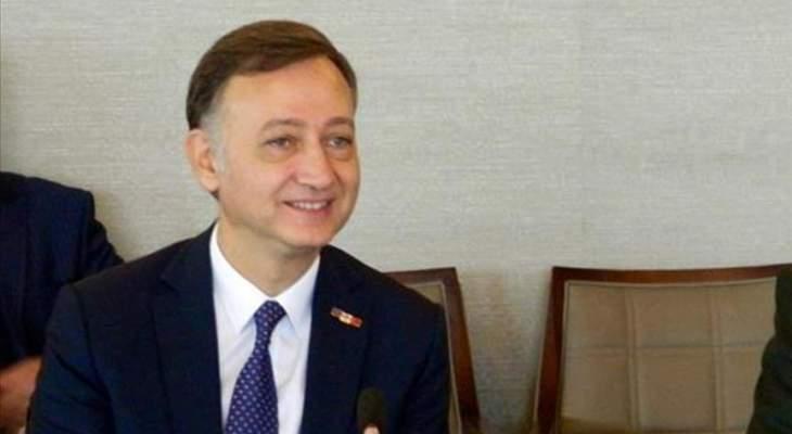 وزير الدفاع الأذربيجاني أكد دعم بلاده الكامل لتركيا في مكافحة الإرهاب