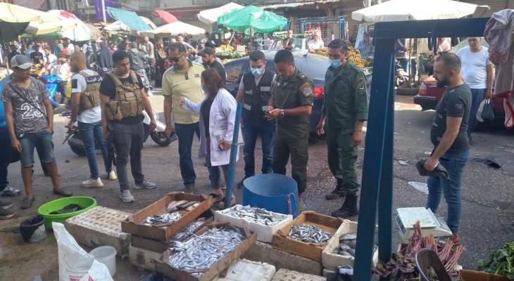 بلدية بيروت: مصلحة المسالخ أتلفت أسماك نافقة غير صالحة للإستهلاك البشري معروضة للبيع في سوق صبرا الشعبي