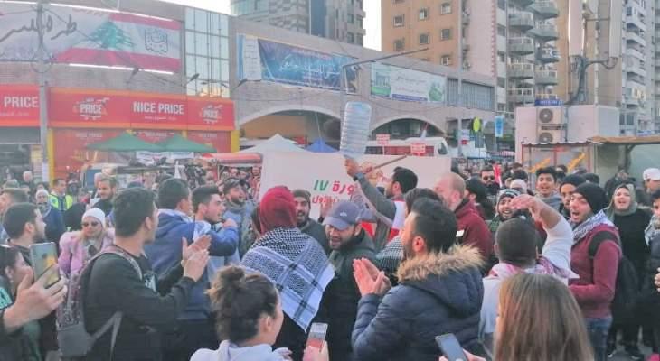 تظاهرة راجلة تجوب شوارع طرابلس للمطالبة بتشكيل حكومة مستقلة