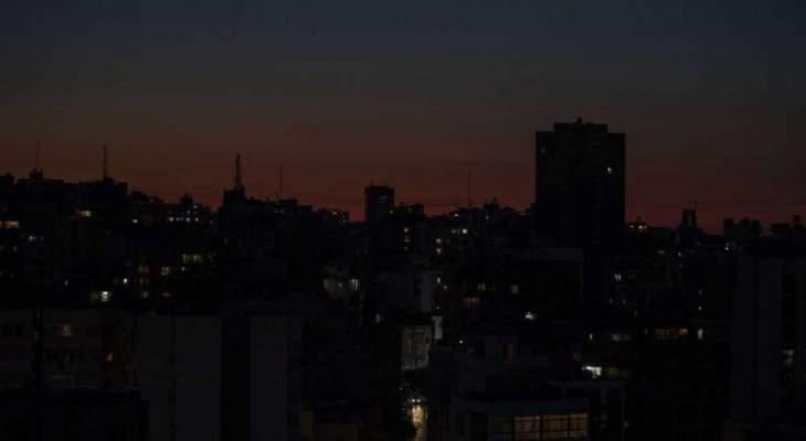 مصدر نيابي للشرق الأوسط: إن لم تُفتح الاعتمادات لبواخر الفيول سيدخل لبنان عتمة شاملة خلال 3 أيام