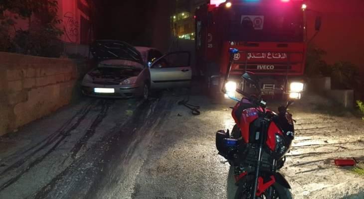 الدفاع المدني يخمد حريق سيارة في الاشرفية بواسطة دراجة Moto ambulanc