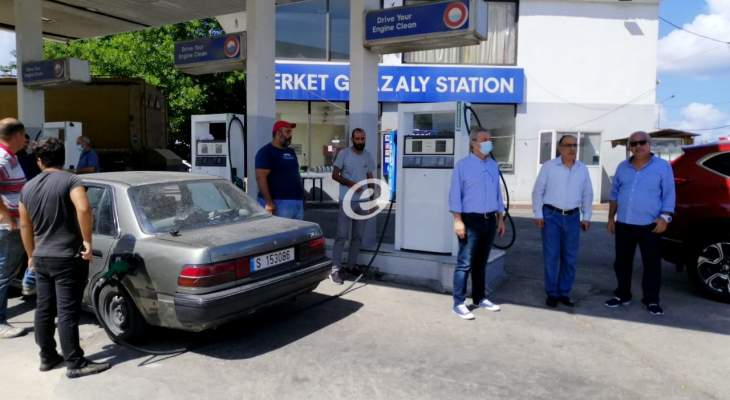 النشرة: استئناف تعبئة البنزين عبر منصة بلدية صيدا وتوجه لزيادة عدد المحطات المعتمدة